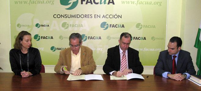 FACUA Andalucía y el Consejo Andaluz de Médicos firman un convenio de colaboración