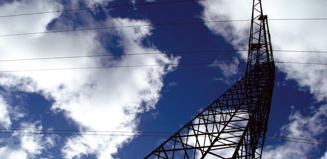 FACUA analiza los cambios en el sector eléctrico en el informe 'Mercado libre sin competencia'