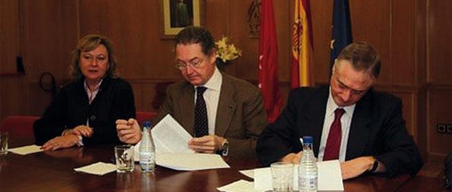 FACUA Madrid y el Colegio de Farmacéuticos de la Comunidad firman un convenio de colaboración