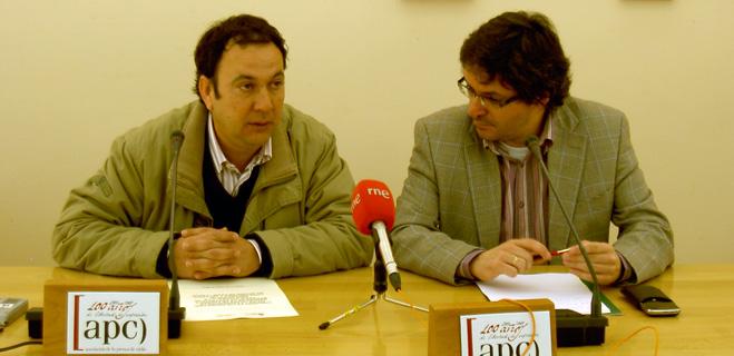 FACUA Cádiz y la Federación de Asociaciones de Madres y Padres de la provincia suscriben un convenio de colaboración