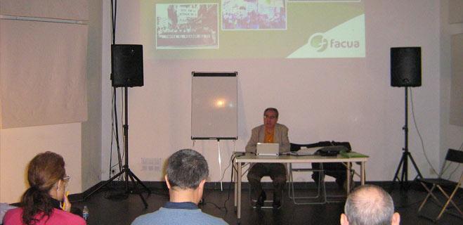 FACUA Catalunya recibe un curso sobre el funcionamiento de las asociaciones de consumidores