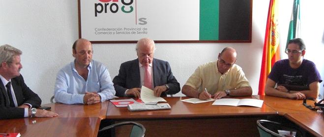 FACUA Sevilla y Aprocom firman un convenio de colaboración