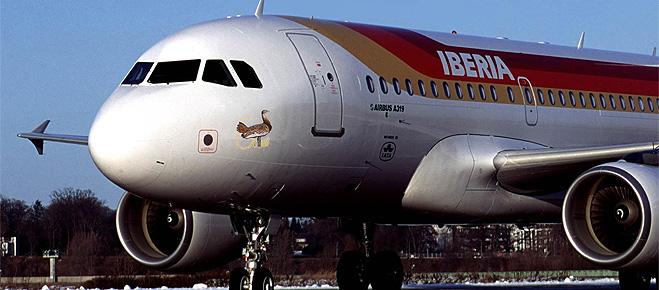 Ocho de cada diez pasajeros creen que Fomento no garantiza la protección de sus derechos por la falta de controles sobre las aerolíneas