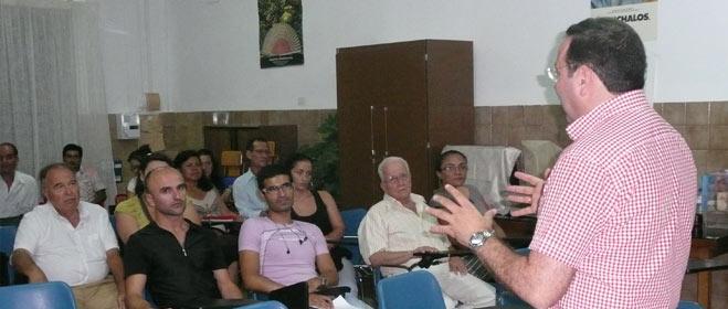 FACUA Córdoba imparte charlas de formación a los colectivos más vulnerables