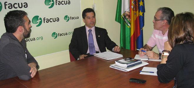El presidente de la Defensor�a del Consumidor de El Salvador visita FACUA