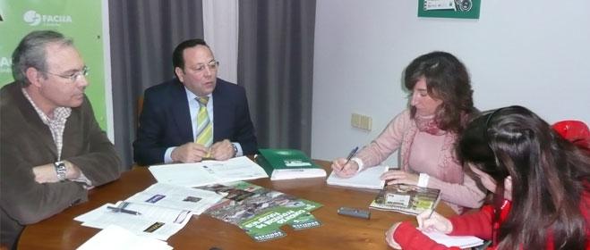 FACUA C�rdoba se re�ne con el Secretario General del PSOE en C�rdoba y candidato a la alcald�a