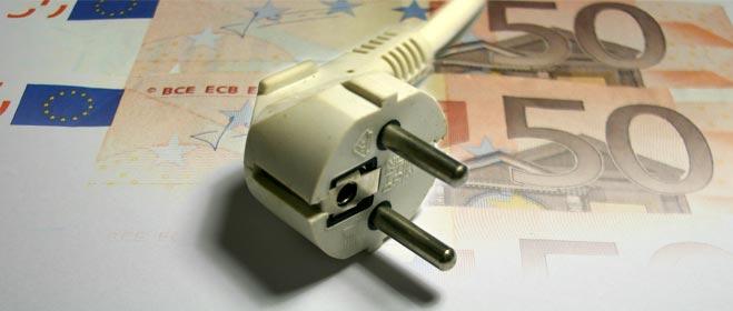 FACUA advierte que la luz ya ha subido este año 7,79 euros mensuales para el usuario medio