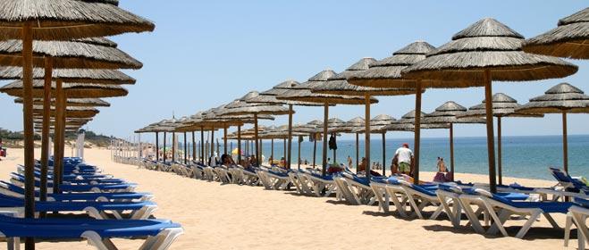 FACUA alerta a los usuarios sobre los principales problemas que pueden sufrir durante sus vacaciones