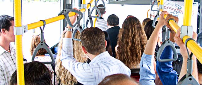 Un estudio de FACUA revela diferencias de hasta el 142% en las tarifas de los autobuses urbanos de 40 ciudades