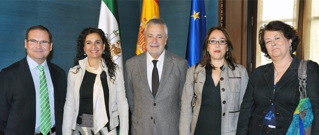 Griñán se compromete a firmar un Pacto por la protección de los consumidores en Andalucía
