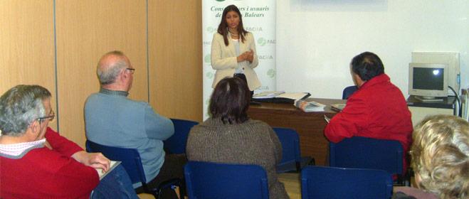 FACUA Baleares se re�ne con afectados por las participaciones preferentes