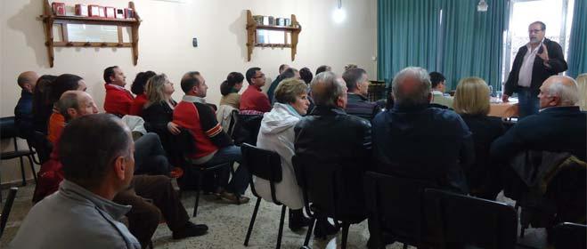 FACUA Huelva se reúne en Valverde del Camino con una treintena de afectados por las participaciones preferentes