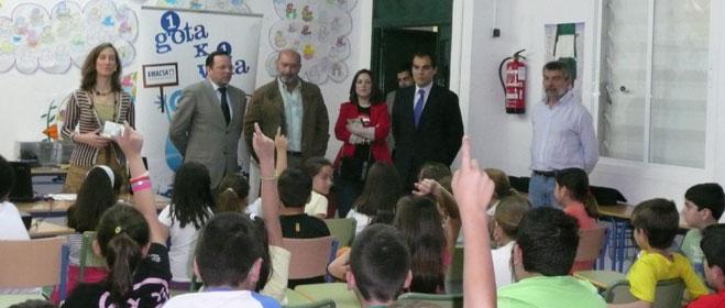 FACUA Córdoba y Emacsa vuelven a poner en marcha los talleres '1 Gota x 1 Vida'
