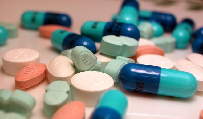 FACUA inicia una recogida de firmas contra el medicamentazo