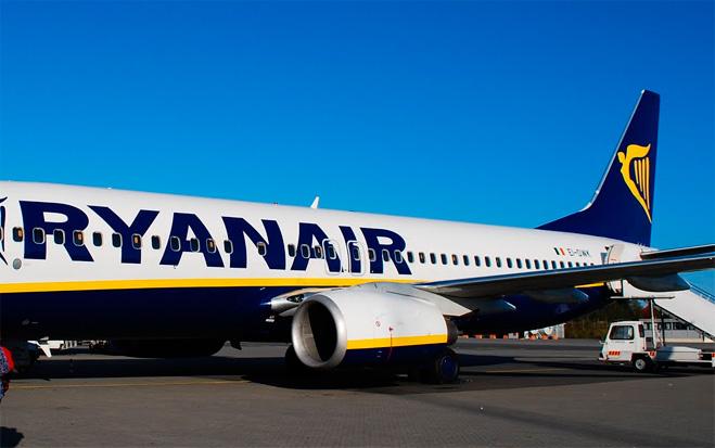 FACUA ve inaudito que Fomento no actúe contra Ryanair tras otro aterrizaje urgente
