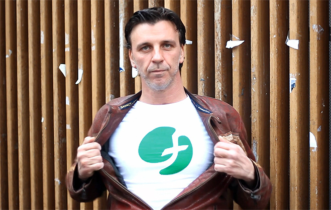 Armando del Río, Mónica Aragón y David Muro protagonizan una campaña de FACUA contra los precios abusivos de los carburantes