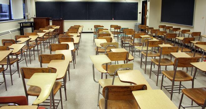 El colegio granadino denunciado por FACUA por cobrar para optar a un empleo dice que devolverá el dinero