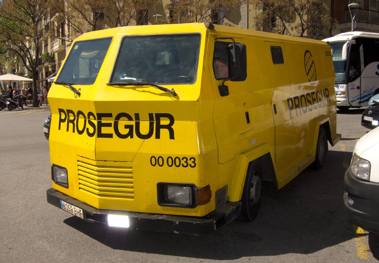 Sanción de 46 millones de euros a Prosegur y otra de siete a Loomis por repartirse el mercado del 'cash'