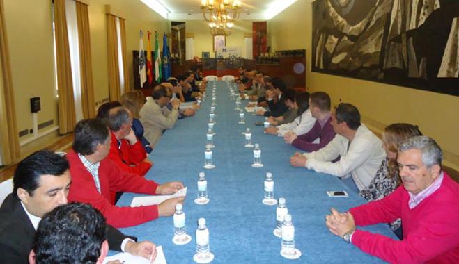 FACUA Huelva apoya las propuestas por el desarrollo de la línea de tren Huelva - Zafra
