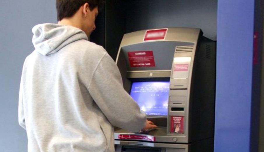 Un error masivo del BBVA provoca el cobro duplicado de domiciliaciones a clientes de diversos bancos
