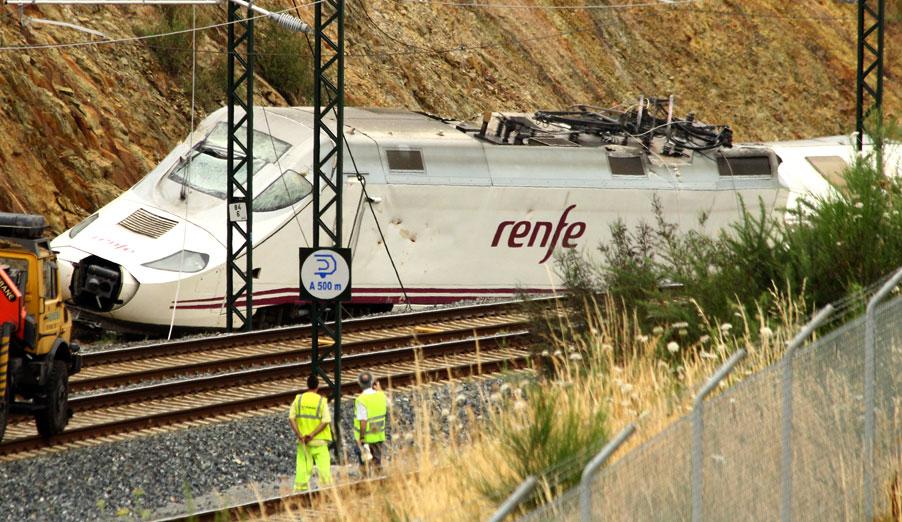 FACUA insta a Renfe a pagar cuanto antes los anticipos a los afectados por la tragedia de Santiago