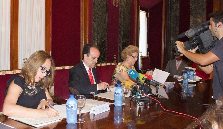 FACUA Andalucía valora el diálogo abierto con la Junta para trabajar en el sector turístico