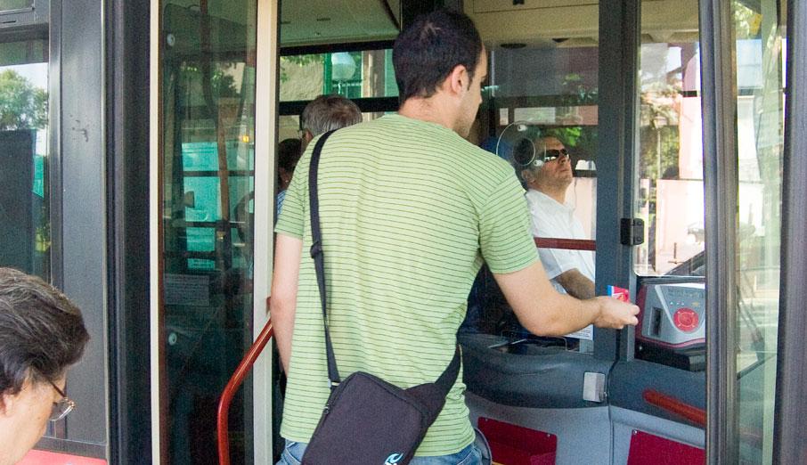 FACUA detecta diferencias de hasta el 246% en las tarifas de los autobuses urbanos de 39 ciudades