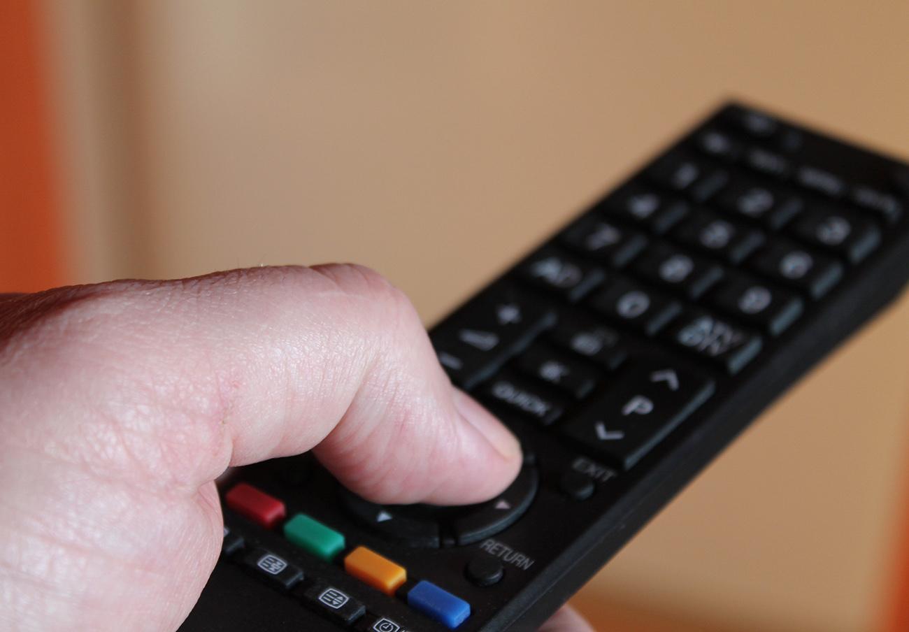 La CNMC multa con más de 100.000 euros a Atresmedia y TVE por publicidad encubierta