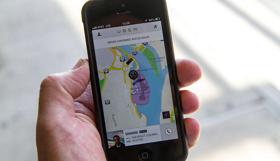 FACUA señala que plataformas como Uber deben someterse a la ley para garantizar derechos de los usuarios