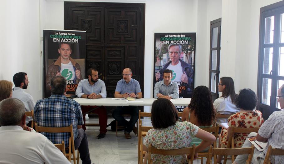 FACUA Granada celebra una asamblea para informar de sus acciones contra el abuso de las cláusulas suelo