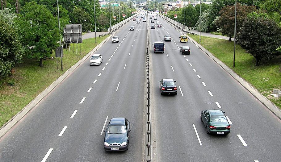 FACUA rechaza que el Gobierno acepte pagar a la banca 2.300 millones como rescate a autopistas de peaje