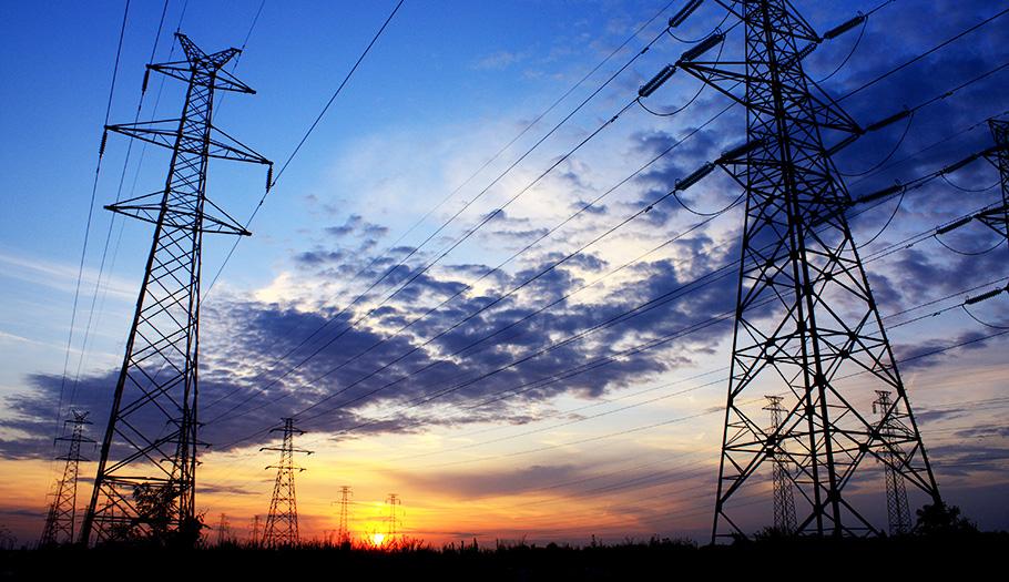 ¿Cómo te trata tu compañía eléctrica? Participa en la encuesta de FACUA