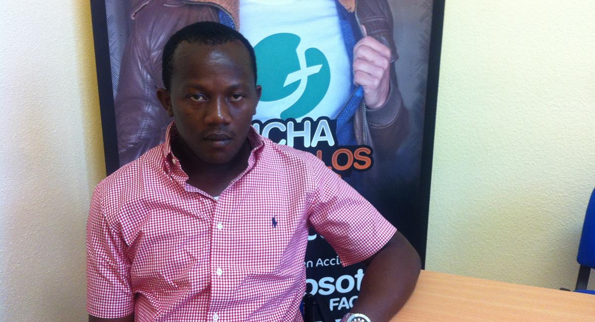 El guineano retenido el sábado por un error en un control antidroga en Barajas logra regresar a su país