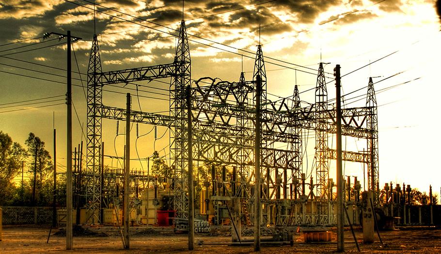 El Gobierno ha dado libertad a las eléctricas para aplicar subidas tarifarias descomunales, alerta FACUA