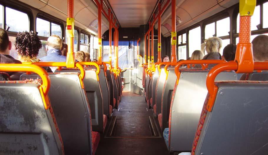 Madrid, Girona y Barcelona tienen los bonos de los autobuses urbanos más caros, según un estudio de FACUA