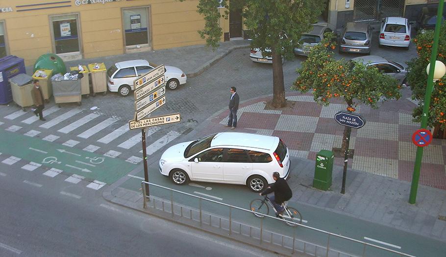 FACUA Sevilla denuncia que el Ayuntamiento ha abandonado las políticas de movilidad