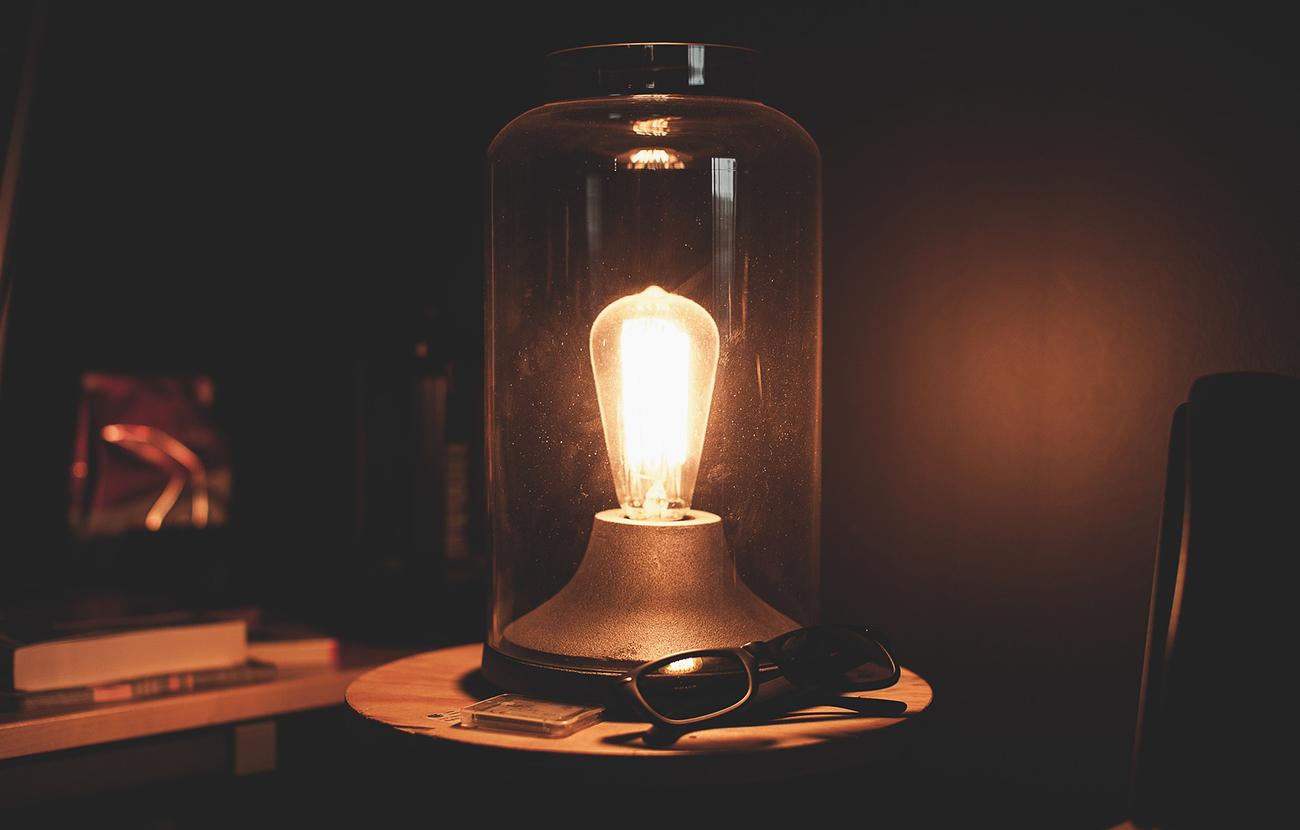 El recibo de la luz se encarece un 10,2% entre enero y agosto frente a los ocho primeros meses de 2014