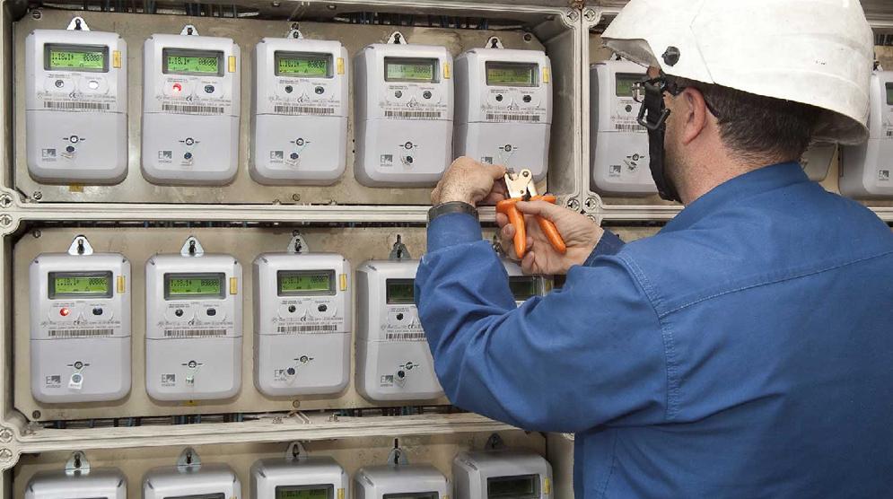 La CNMC pide que las eléctricas bajen un 33% la tarifa de los contadores digitales sin telegestión