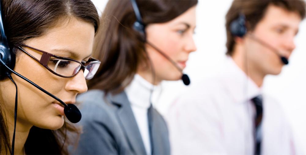 Tras las denuncias de FACUA, multan a 4 proveedores de líneas 902: pagaban por las llamadas recibidas