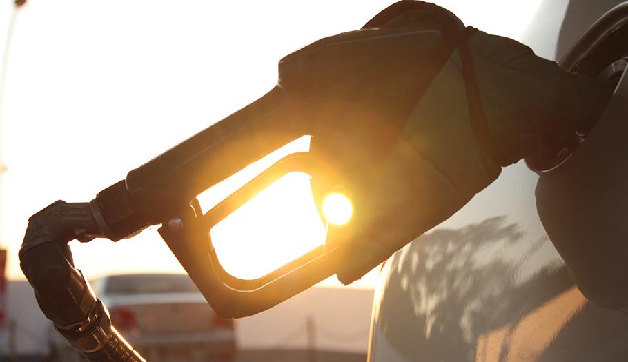 FACUA reclama al Gobierno que intervenga el precio de la gasolina ante la multa de la CNMC a 5 petroleras