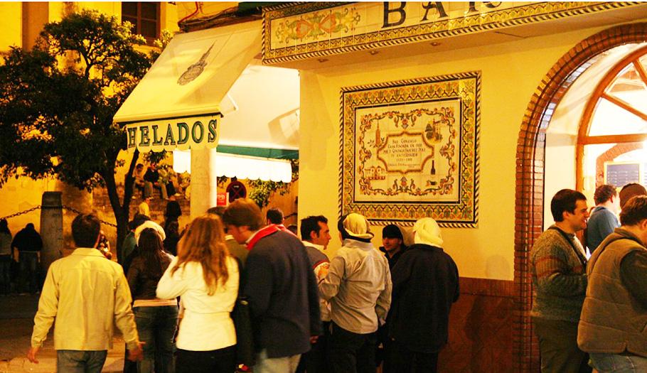 FACUA reclama inspecciones en Semana Santa para evitar precios abusivos y mala conservación de alimentos