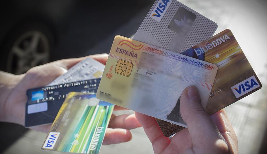 FACUA critica el caos sobre los procesos de identificación de los usuarios de bancos