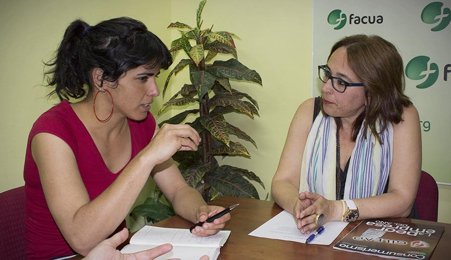 FACUA Andalucía mantiene con Podemos la primera de sus reuniones con las fuerzas políticas del Parlamento