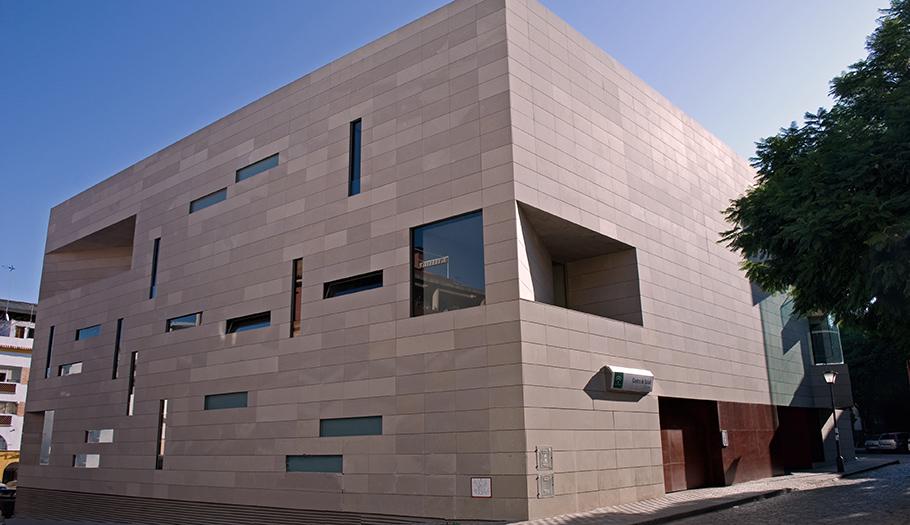 FACUA Sevilla reclama al SAS más información sobre la limitación horaria de la atención primaria en verano