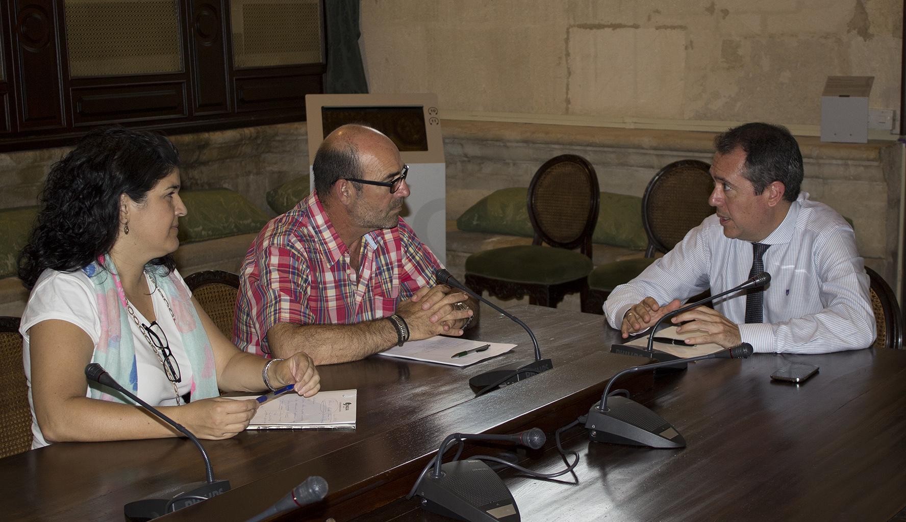 FACUA Sevilla reclama su participación en la mesa sobre movilidad que va a crear el alcalde