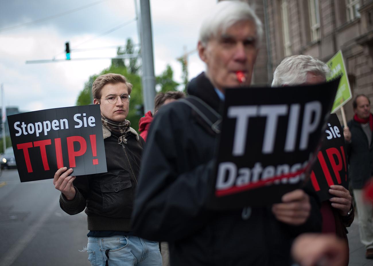 El negocio de las puertas giratorias, enésima cara oculta del TTIP