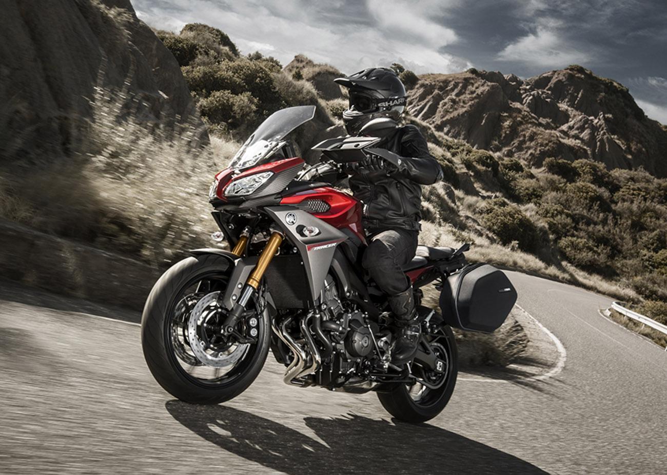 Un defecto en las maletas de las motocicletas Yamaha MT-09 Tracer puede provocar accidentes de tráfico