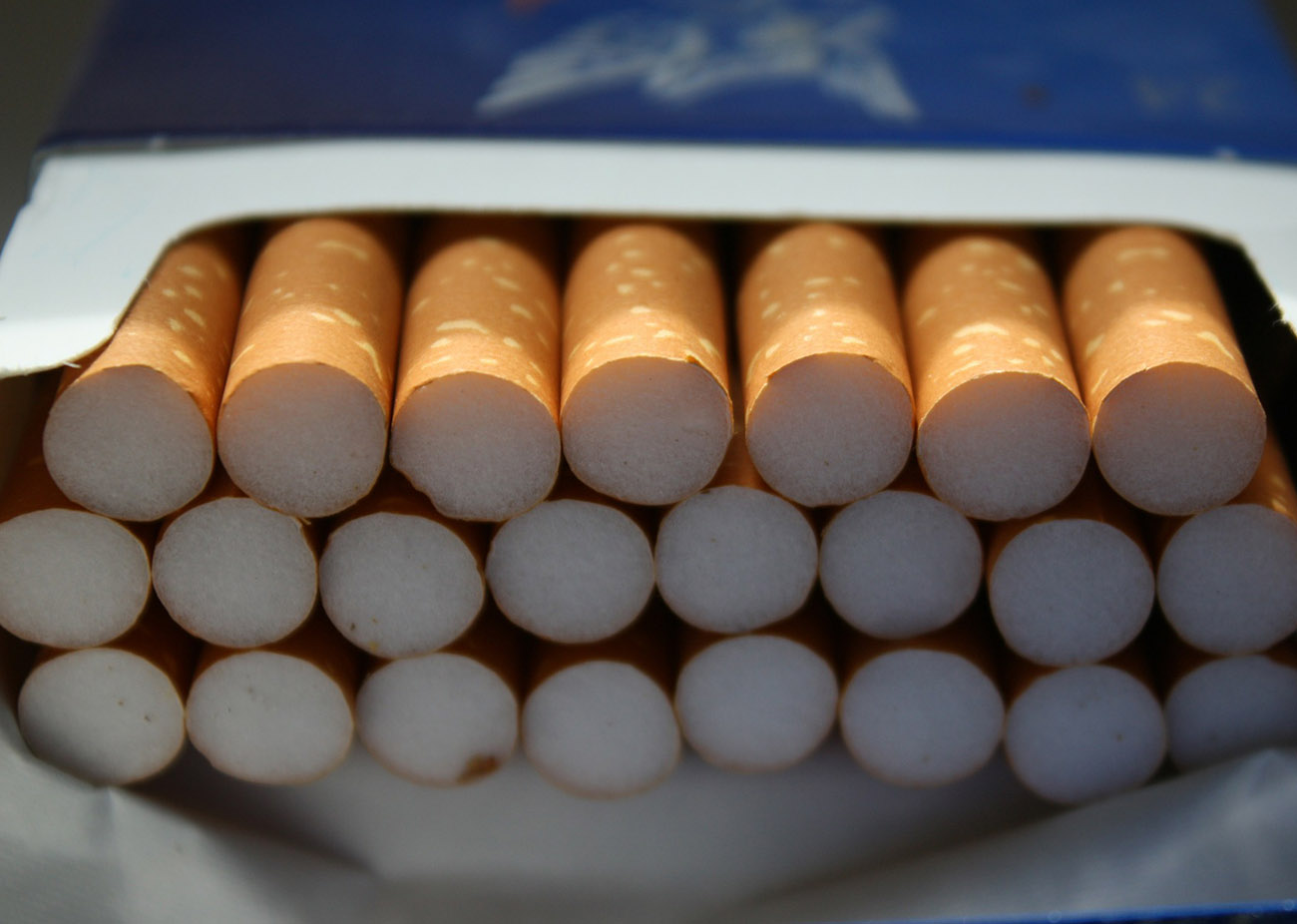Diez países impulsan el etiquetado genérico para los paquetes de cigarrillos