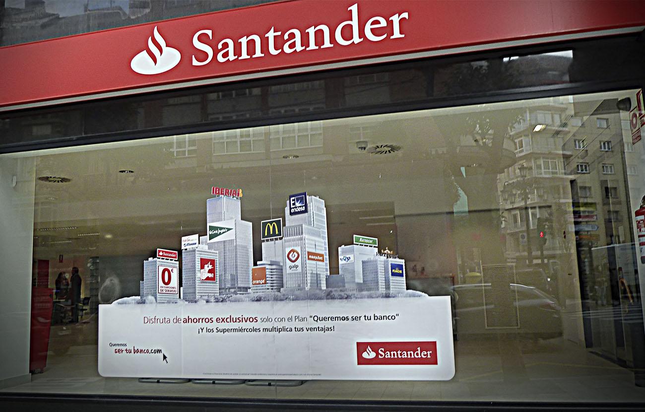 FACUA denuncia ante el Banco de España la doble comisión por sacar dinero en cajeros