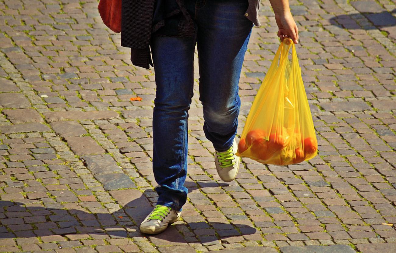 Francia prohibirá las bolsas de plástico de un solo uso a partir de 2016